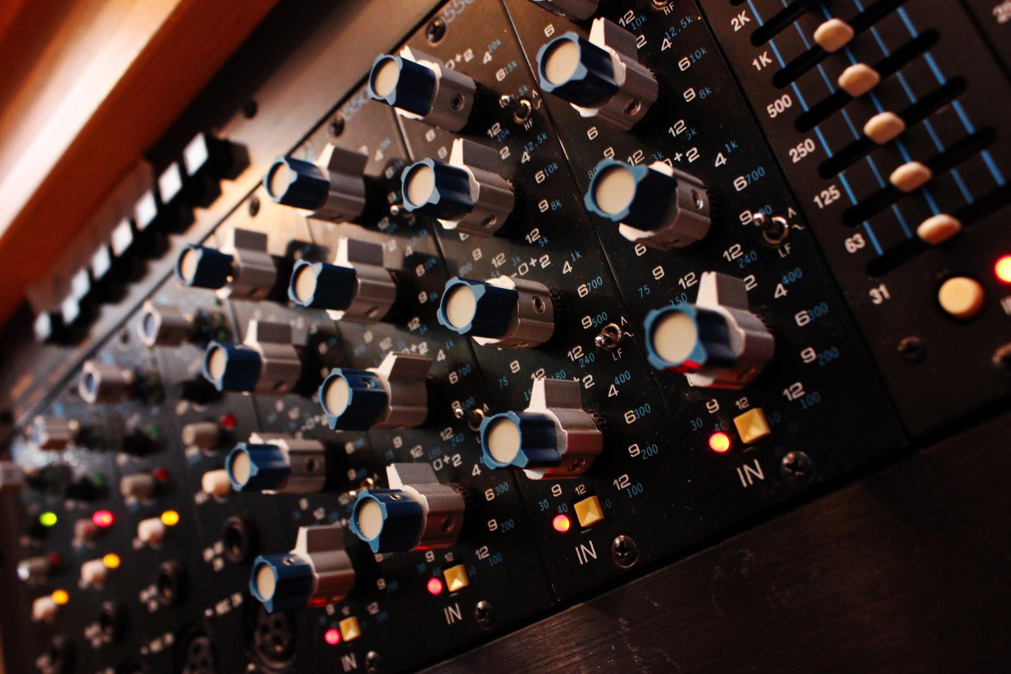 mixing EQ