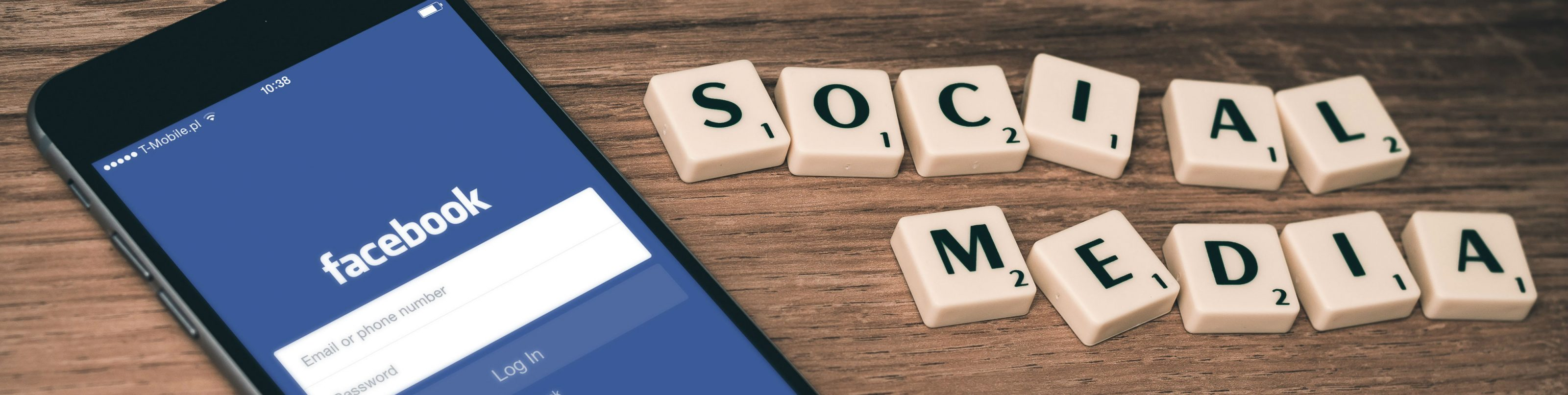 Scrabble tiles spelling out social media