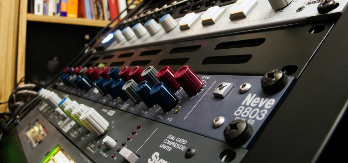 Audio Limiter: When, Why, and How to Use Limiters | MasteringBOX