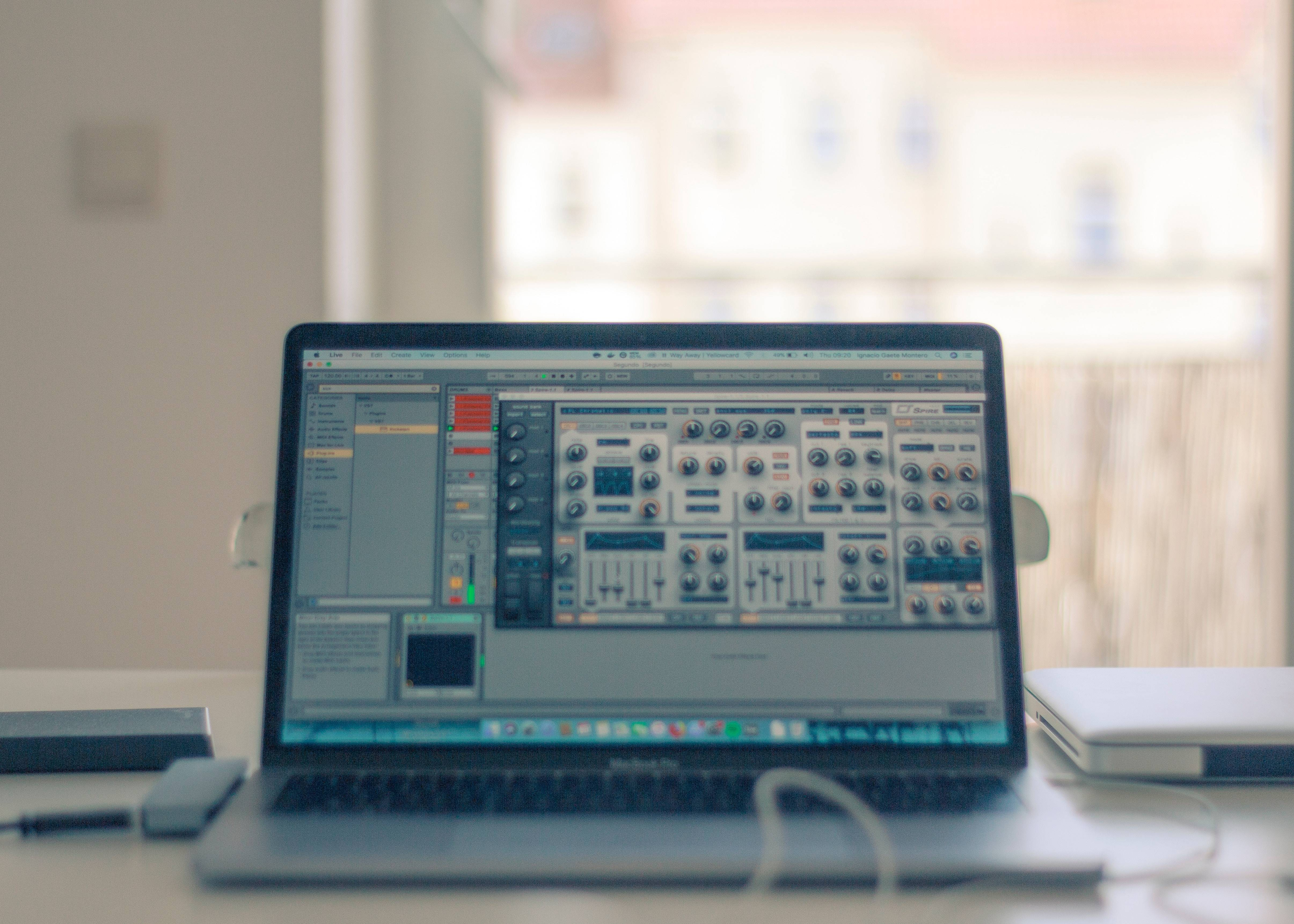 Free DAWs for the Beginner Audio Producer | MasteringBOX