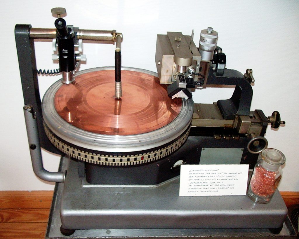 History of Mastering: Early disc cutting lathe